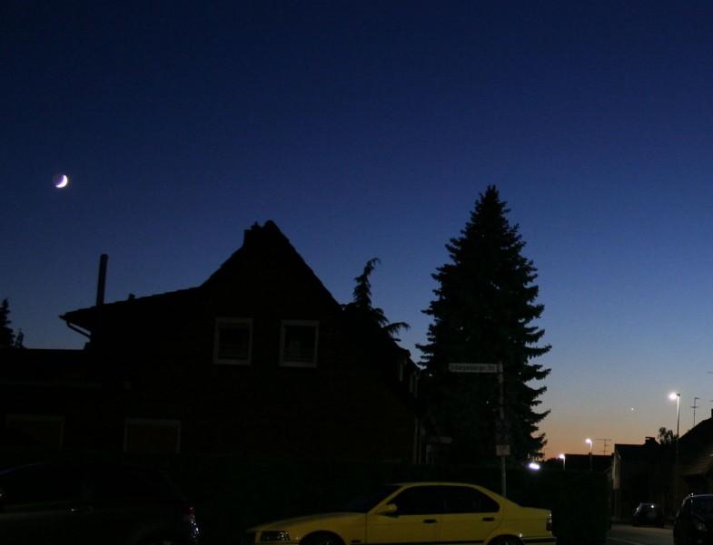 Mond und Venus in der Abenddämmerung 1280px
