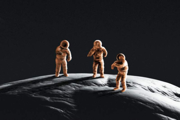 Diese Gruppe meiner grob gezeichneten Astronauten, erinnert mich an Figuren aus Plastilin, Bildausschnitt.