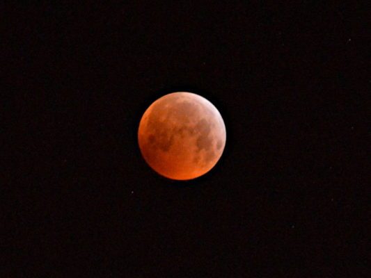 Die Mondfinsternis vom 21. Januar 2019 um 6 Uhr 05.